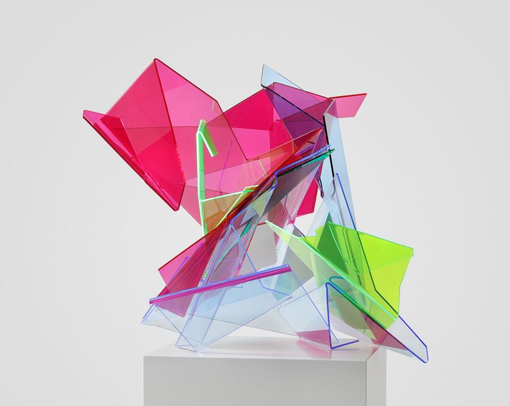 Tanja Rochelmeyer, Splinter, 2016, Acrylfarbe auf Acrylglas, 55 x 64 x 60 cm